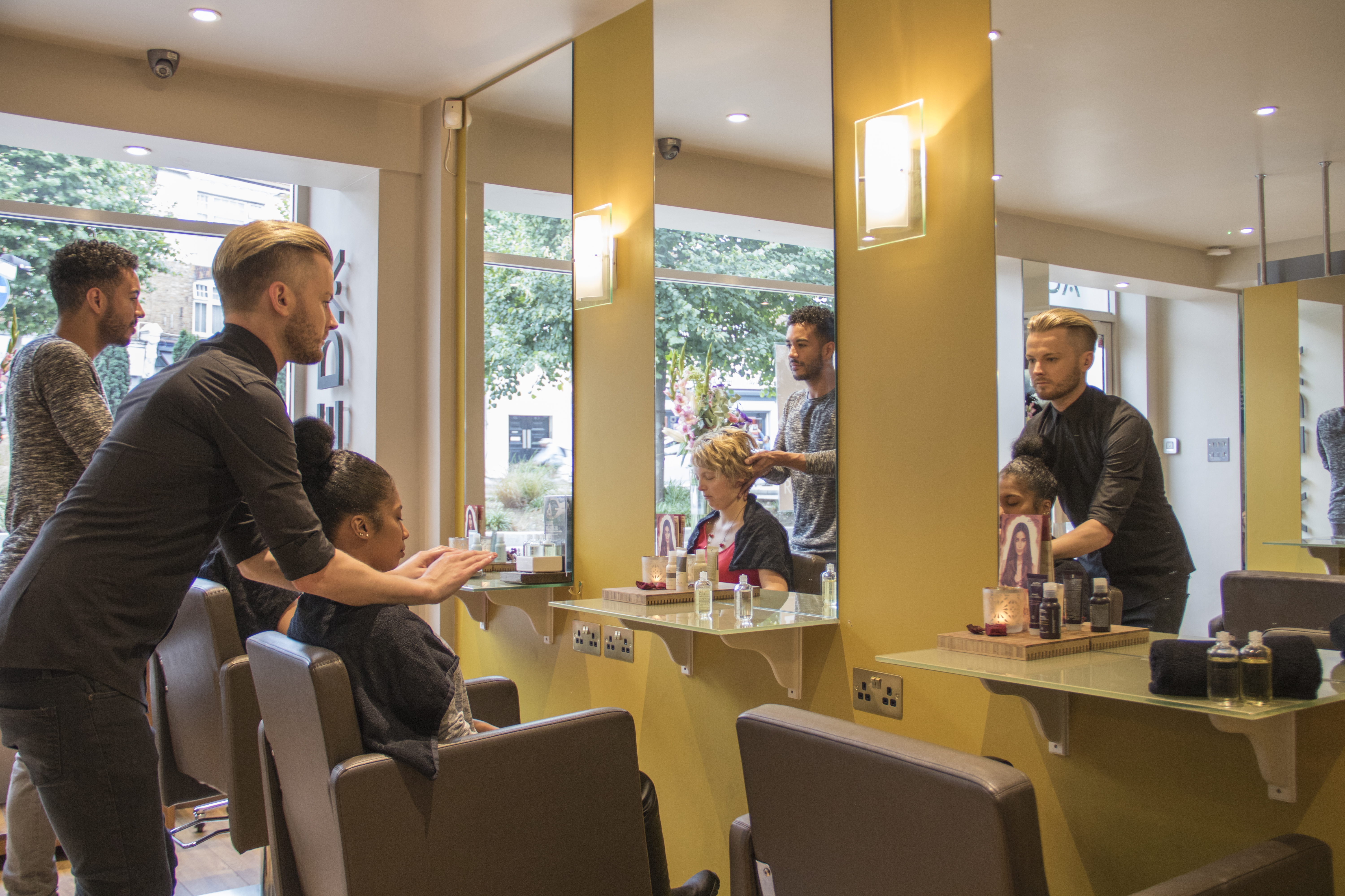 hairdressers streatham Hair Style with Masssage