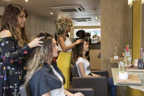 raw bella streatham Hair Styling with Massage